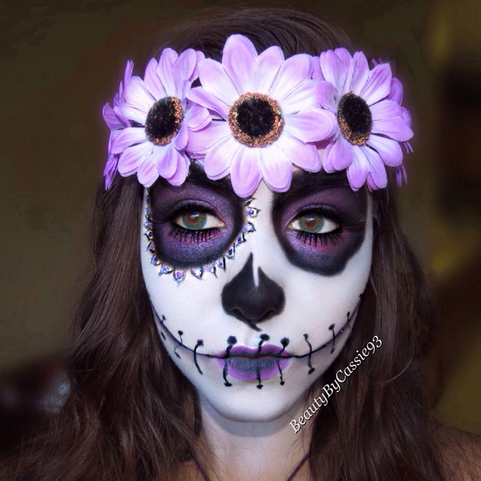 Sugar Purple skull makeup forecasting dress for winter in 2019