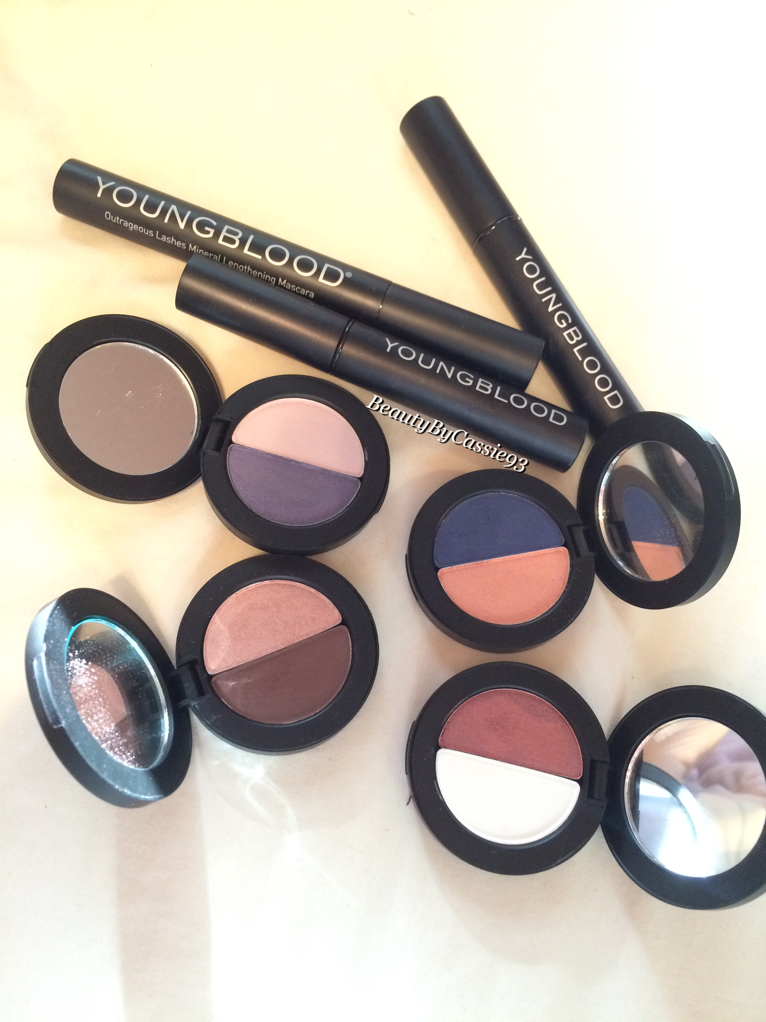 Review Youngblood Cosmetics Beauty